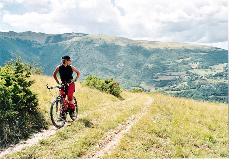 1024px-Mountain_bike_ParcoSibillini-1